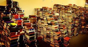 Mountain of Books 300x160 Book Lists: Reading Adventures
